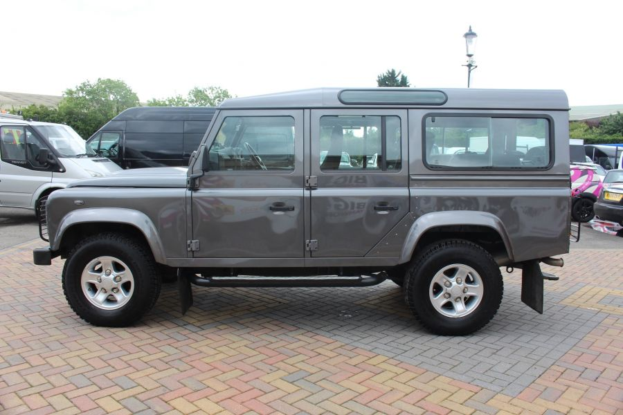 LAND ROVER DEFENDER 110 TD XS STATION WAGON 7 SEATER - 6197 - 8
