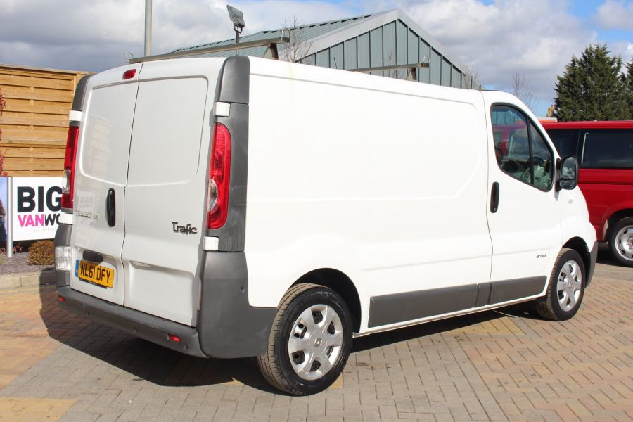 RENAULT TRAFIC SL27 DCI 115 SWB LOW ROOF - 7262 - 5