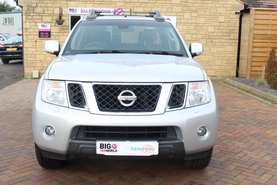 NISSAN NAVARA DCI 190 TEKNA CONNECT 4X4 DOUBLE CAB - 6839 - 9