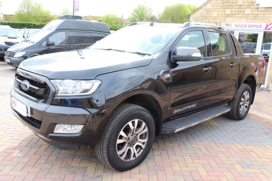 FORD RANGER WILDTRAK TDCI 197 4X4 DOUBLE CAB WITH ROLL'N'LOCK TOP - 7635 - 8