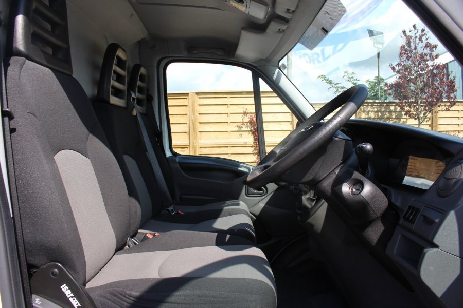 IVECO DAILY 35S11V MWB HIGH ROOF 3520WB - 6151 - 11
