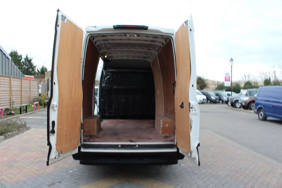 IVECO DAILY 35S13 HI-MATIC MWB HIGH ROOF - 8679 - 19