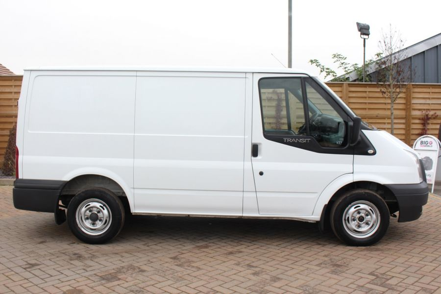 FORD TRANSIT 300 TDCI 100 SWB LOW ROOF FWD - 6939 - 4