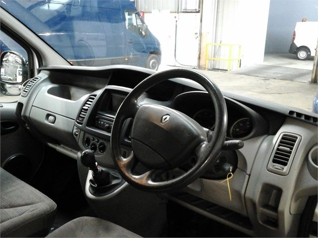 RENAULT TRAFIC SL27 DCI 115 SWB LOW ROOF - 7287 - 10