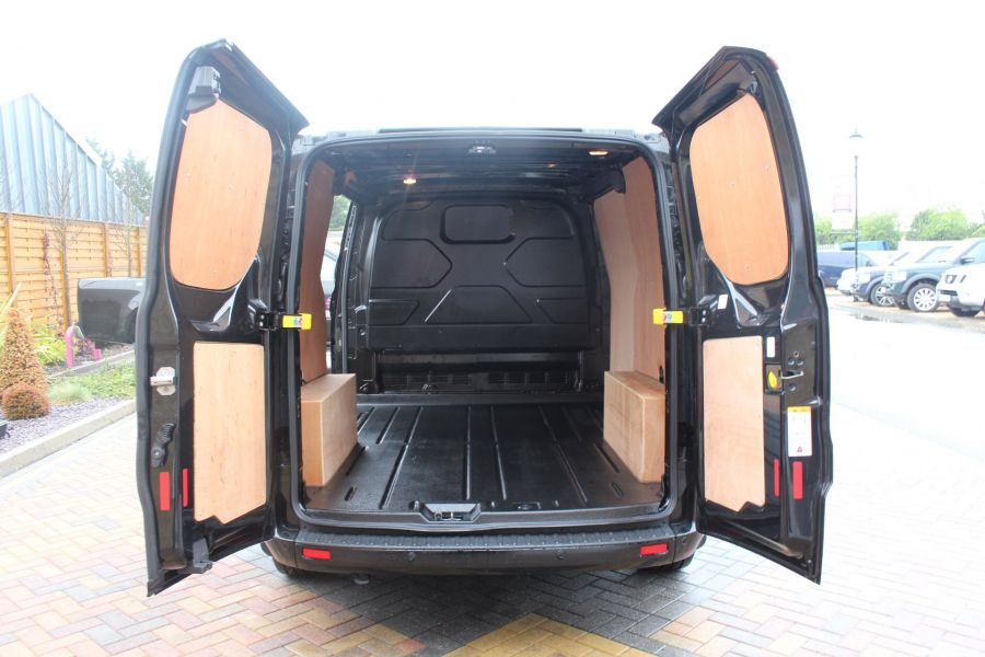 FORD TRANSIT CUSTOM 270 TDCI 125 L1 H1 LIMITED SWB LOW ROOF FWD - 7611 - 22