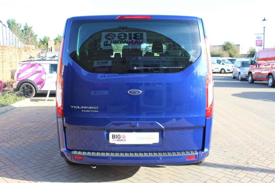 FORD TOURNEO CUSTOM 300 TDCI 125 L1 H1 LIMITED 9 SEAT MINIBUS SWB LOW ROOF FWD - 6857 - 6