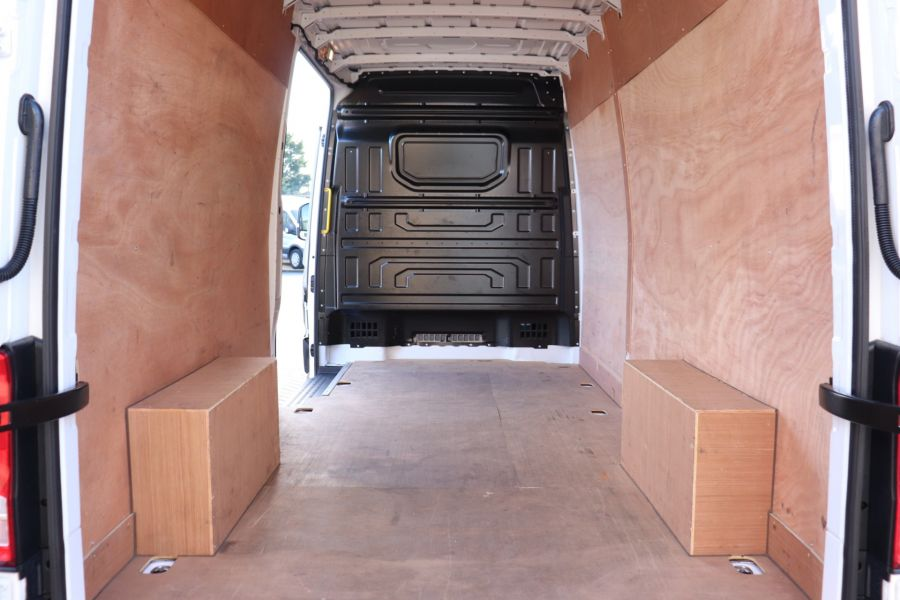 VOLKSWAGEN CRAFTER CR35 TDI 140 STARTLINE LWB HIGH ROOF  (14029) - 12247 - 32