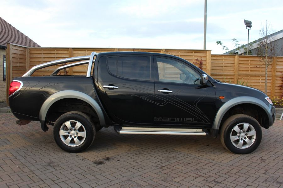 MITSUBISHI L200 ANIMAL DI-D LWB DOUBLE CAB WITH ROLL'N'LOCK TOP - 7085 - 4