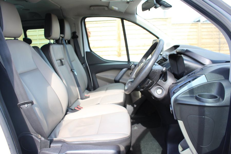 FORD TOURNEO CUSTOM 300 TDCI 125 L2 H1 LIMITED 9 SEAT MINIBUS SWB LOW ROOF FWD - 7215 - 12