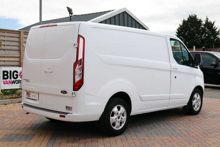 FORD TRANSIT CUSTOM 310 TDCI 130 L1H1 LIMITED SWB LOW ROOF - 10921 - 6
