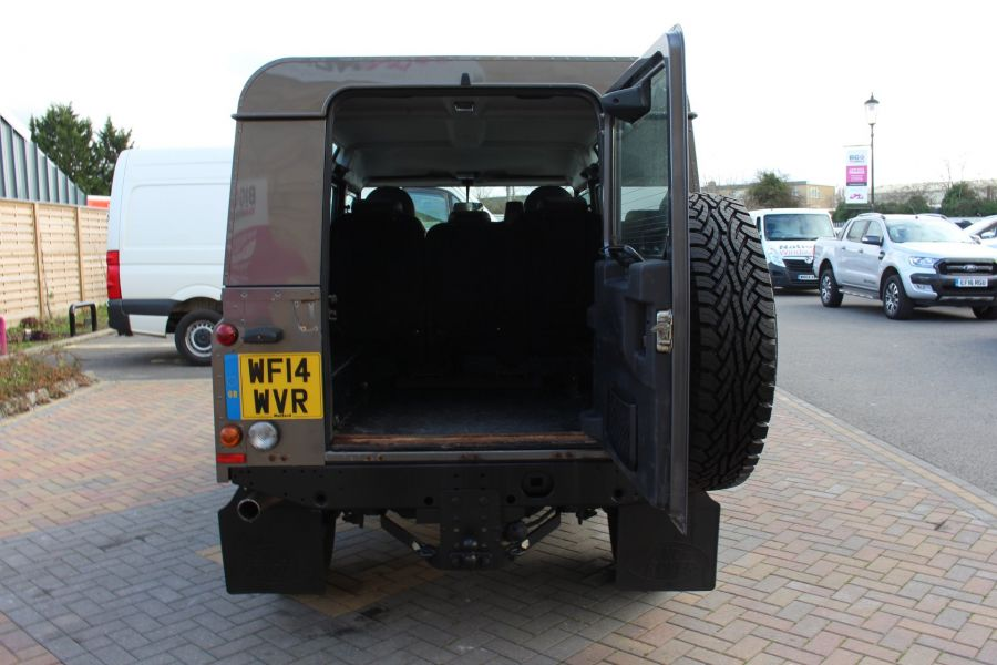 LAND ROVER DEFENDER 110 TD XS UTILITY WAGON 5 SEAT DOUBLE CAB - 8382 - 20