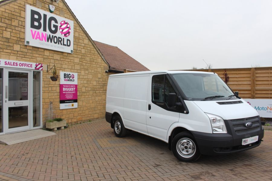 FORD TRANSIT 300 TDCI 100 SWB LOW ROOF FWD - 6939 - 1