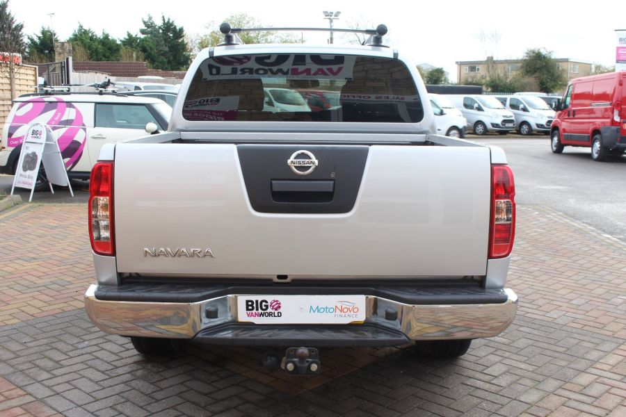 NISSAN NAVARA DCI 190 TEKNA CONNECT 4X4 DOUBLE CAB - 6839 - 6