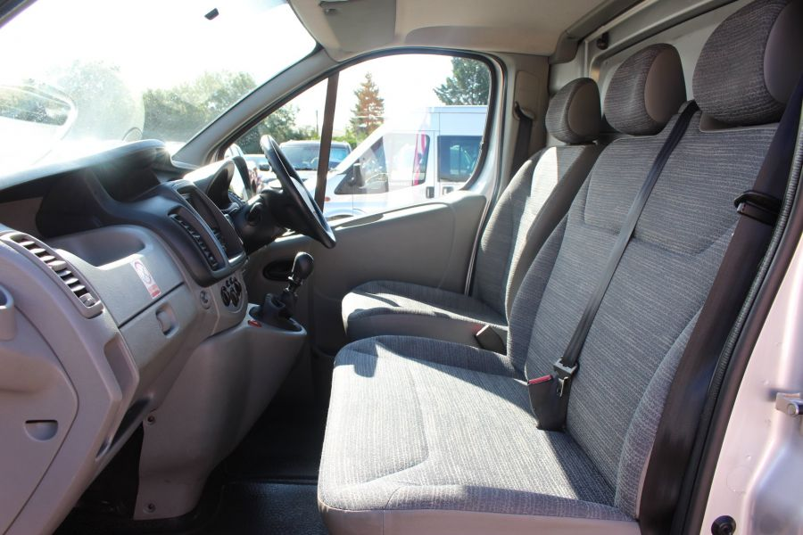 RENAULT TRAFIC SL29 DCI 115 L1 H1 SWB LOW ROOF - 6721 - 19