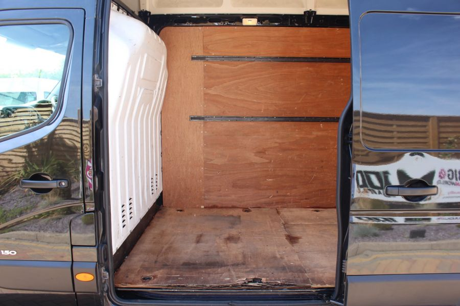 RENAULT MASTER LH35 DCI 150 LWB HIGH ROOF - 6401 - 17
