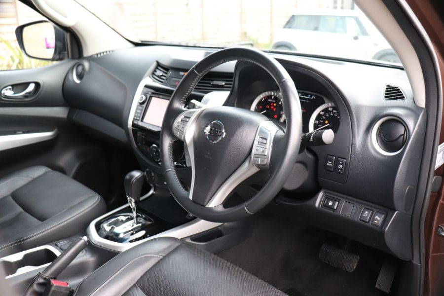 NISSAN NAVARA DCI 190 TEKNA 4X4  DOUBLE CAB WITH TRUCKMAN TOP AUTO - 10310 - 14