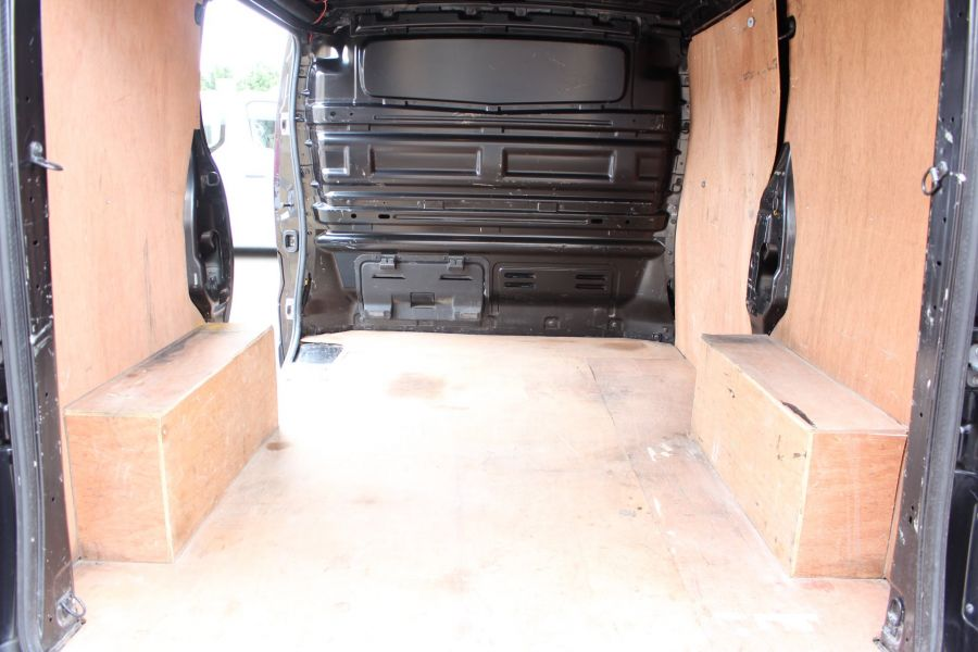 RENAULT TRAFIC SL27 DCI 115 BUSINESS PLUS SWB LOW ROOF - 9213 - 21