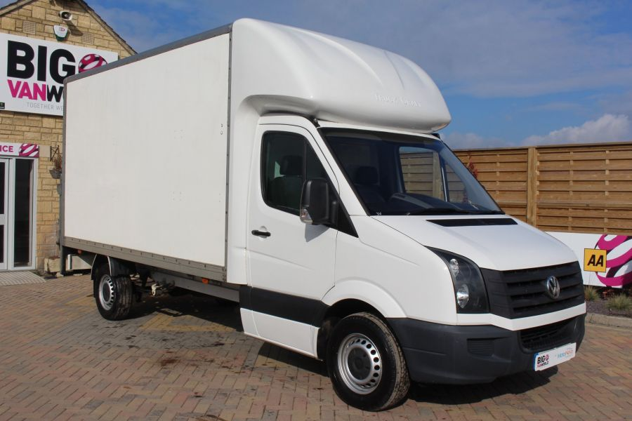 VOLKSWAGEN CRAFTER CR35 TDI 109LUTON WITH TAIL LIFT - 7362 - 2