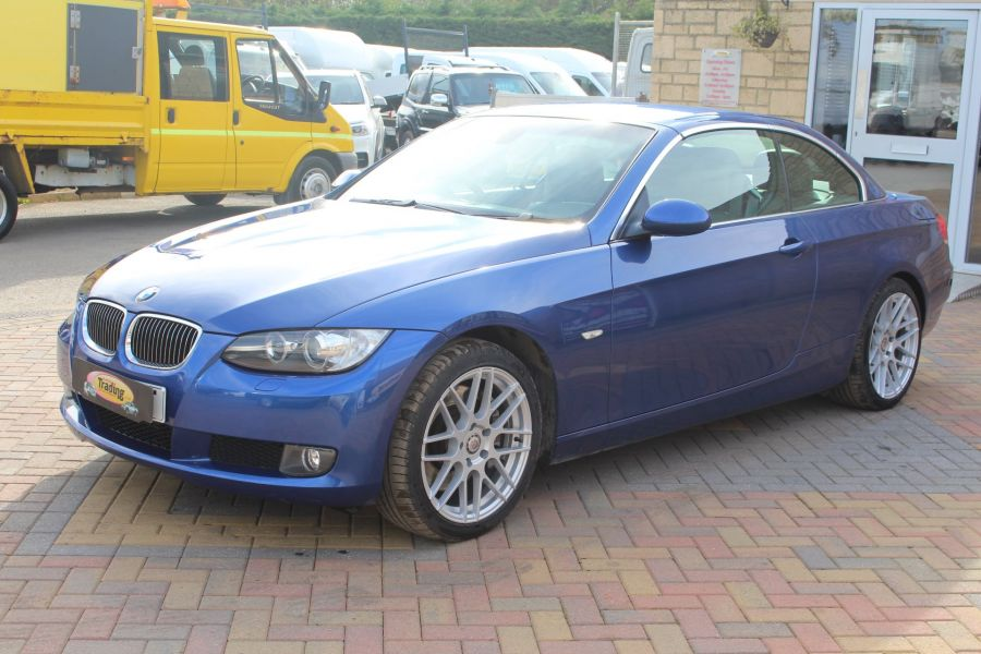 BMW 3 SERIES 330D SE AUTO CONVERTIBLE - 6042 - 6