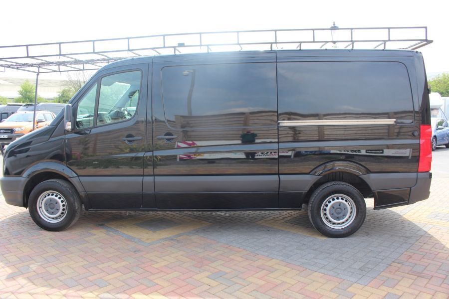 VOLKSWAGEN CRAFTER CR35 TDI 136 MWB STANDARD LOW ROOF - 9093 - 8