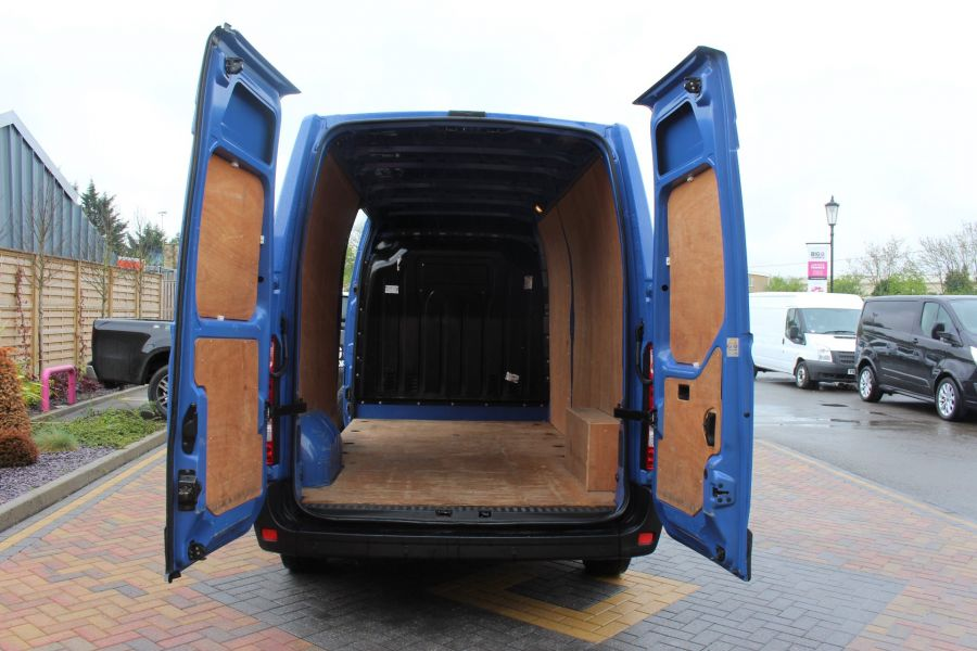 RENAULT MASTER LM35 DCI 135 BUSINESS PLUS ENERGY LWB MEDIUM ROOF FWD - 7655 - 23