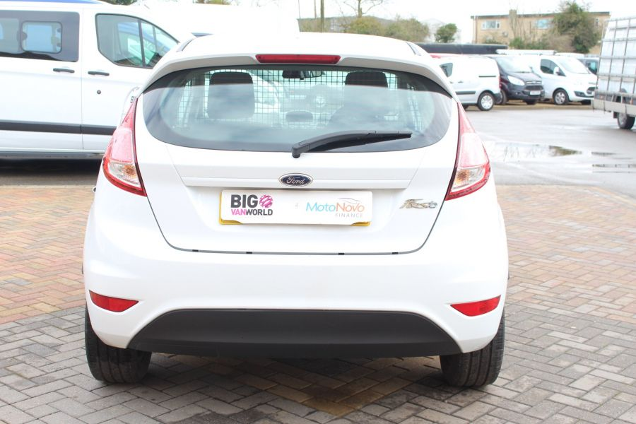 FORD FIESTA BASE 1.5 TDCI 74 - 7301 - 6