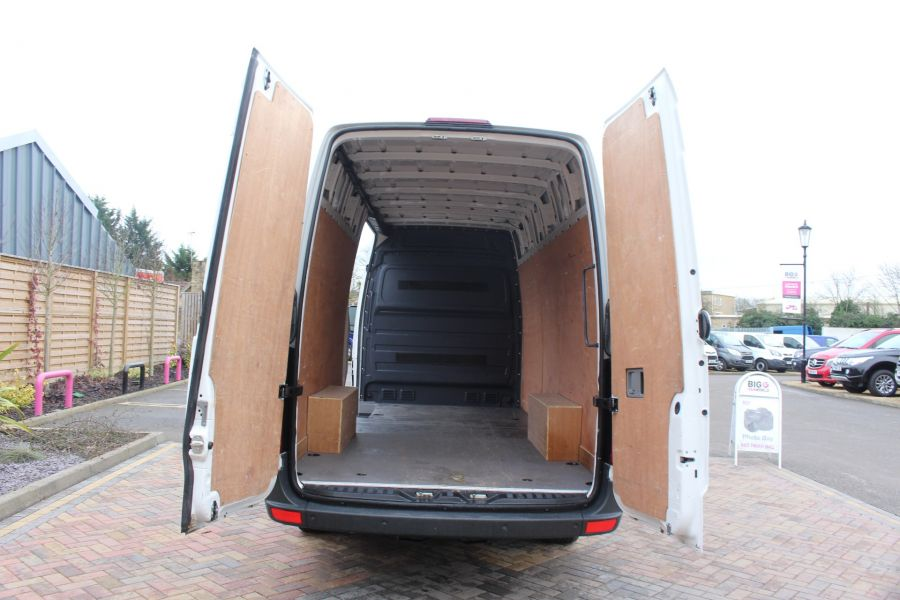VOLKSWAGEN CRAFTER CR35 TDI 136 LWB HIGH ROOF - 6890 - 11