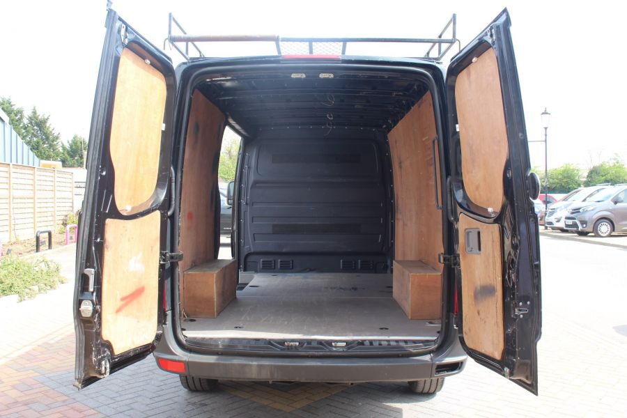 VOLKSWAGEN CRAFTER CR35 TDI 136 MWB STANDARD LOW ROOF - 9093 - 22