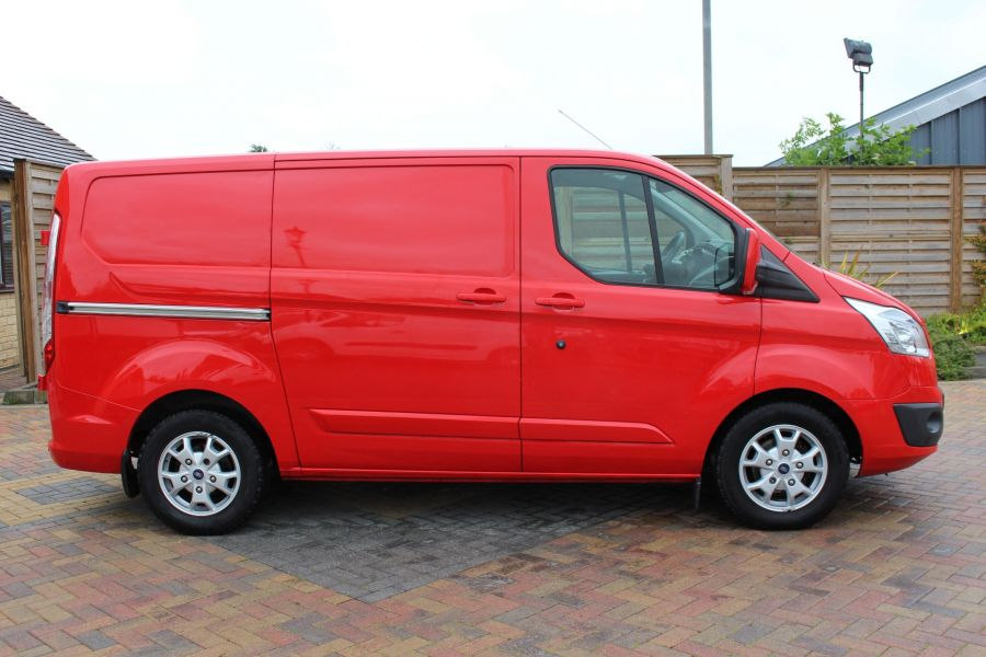 FORD TRANSIT CUSTOM 290 TDCI 125 L1 H1 LIMITED SWB LOW ROOF FWD - 9268 - 4