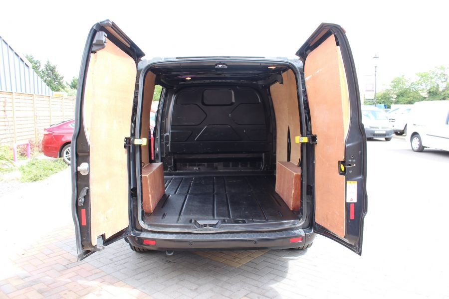 FORD TRANSIT CUSTOM 290 TDCI 125 L1 H1 LIMITED SWB LOW ROOF - 8045 - 19