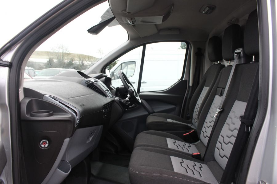 FORD TRANSIT CUSTOM 270 TDCI 125 L1 H1 LIMITED SWB LOW ROOF FWD - 7142 - 23