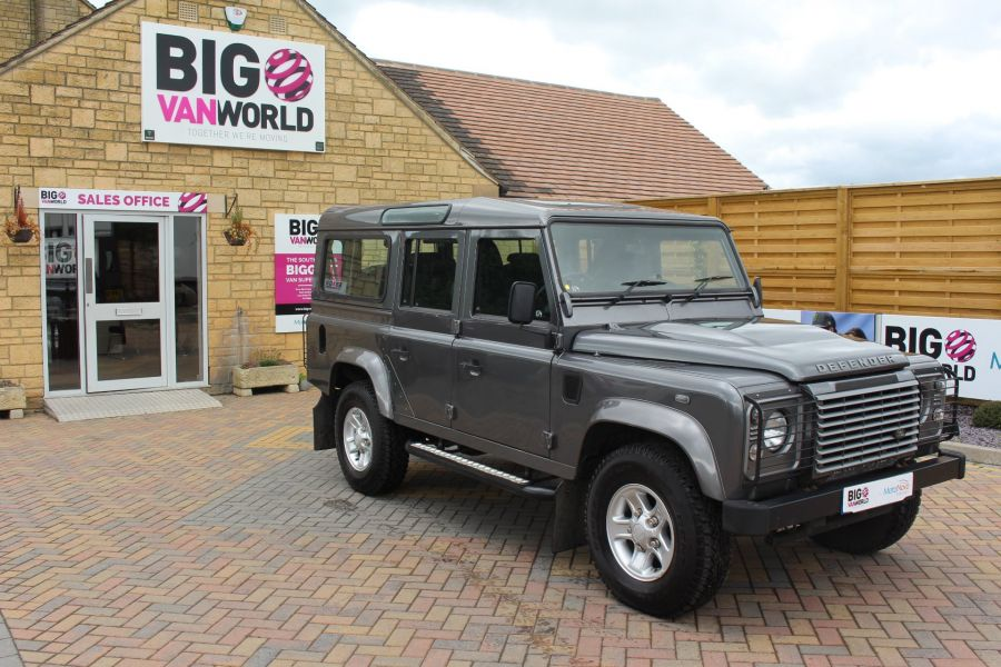 LAND ROVER DEFENDER 110 TD XS STATION WAGON 7 SEATER - 6197 - 2