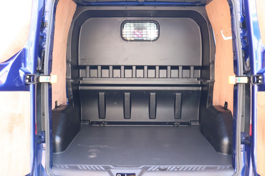 FORD TRANSIT CUSTOM 310 TDCI 130 L1H1 LIMITED DOUBLE CAB 6 SEAT CREW VAN FWD - 10553 - 39