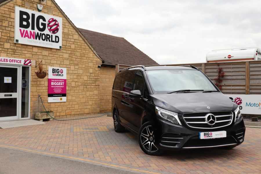 MERCEDES V-CLASS V 220 D AMG LINE LONG 8 SEATS 7G--TRONIC PLUS - 10543 - 1