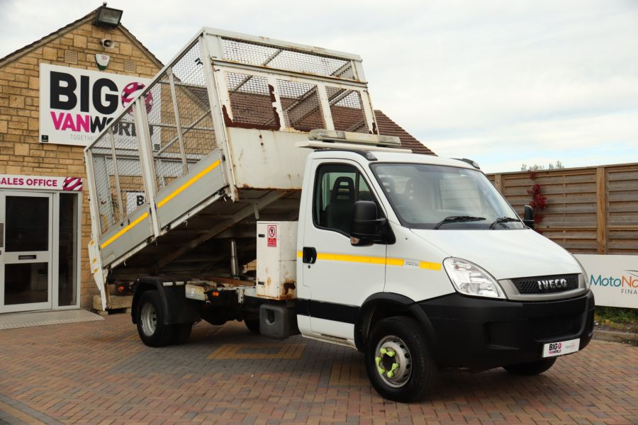 IVECO DAILY 70C18 3450 WB SINGLE CAB ALLOY CAGED TIPPER WITH TAIL LIFT - 9614 - 13