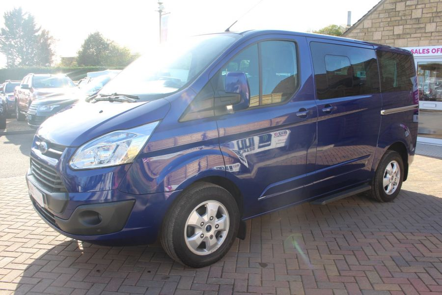 FORD TOURNEO CUSTOM 300 TDCI 125 L1 H1 LIMITED 9 SEAT MINIBUS SWB LOW ROOF FWD - 6857 - 8