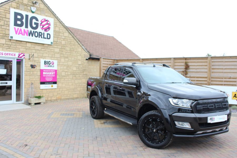 FORD RANGER WILDTRAK TDCI 200 4X4 DOUBLE CAB WITH ROLL'N'LOCK TOP - 8607 - 2