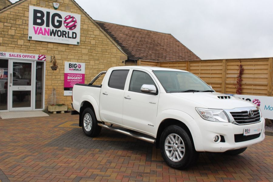 TOYOTA HI-LUX INVINCIBLE 4X4 D-4D 169 DOUBLE CAB WITH ROLL'N'LOCK TOP - 7307 - 2