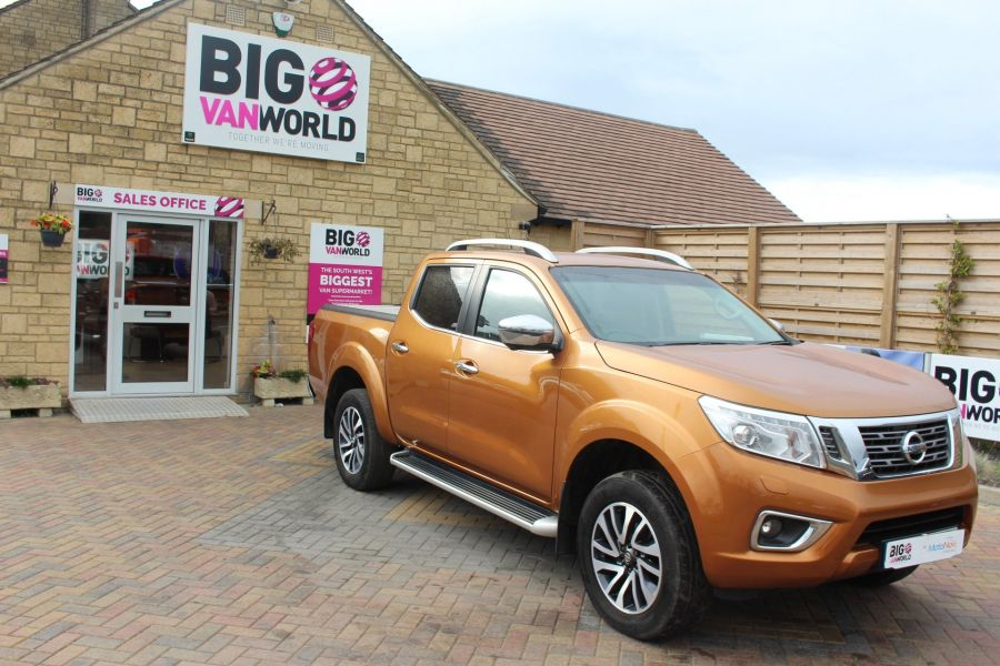 NISSAN NP300 NAVARA DCI 190 TEKNA 4X4 DOUBLE CAB WITH ROLL'N'LOCK TOP - 8313 - 3