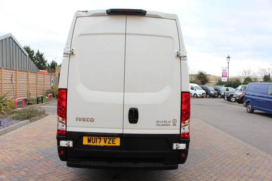 IVECO DAILY 35S13 HI-MATIC MWB HIGH ROOF - 8679 - 6