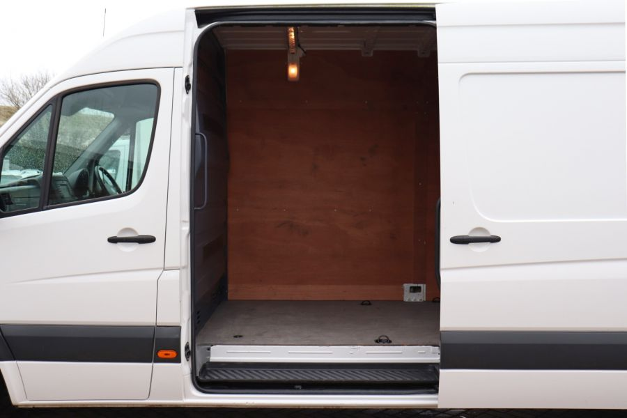 VOLKSWAGEN CRAFTER CR35 TDI 140 BMT LWB HIGH ROOF - 10447 - 30