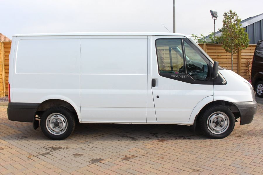 FORD TRANSIT 300 TDCI 100 SWB LOW ROOF FWD - 6546 - 4