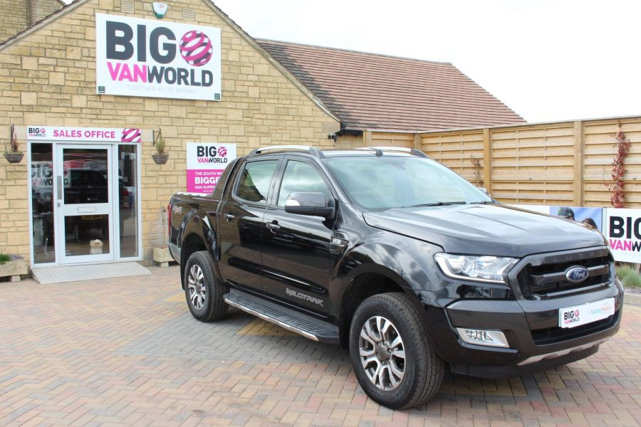 FORD RANGER WILDTRAK TDCI 197 4X4 DOUBLE CAB WITH ROLL'N'LOCK TOP - 7635 - 3