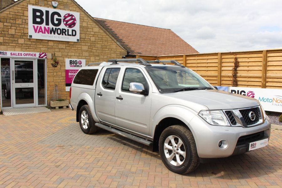 NISSAN NAVARA DCI 190 TEKNA CONNECT 4X4 DOUBLE CAB AUTO WITH TRUCKMAN TOP - 5975 - 2