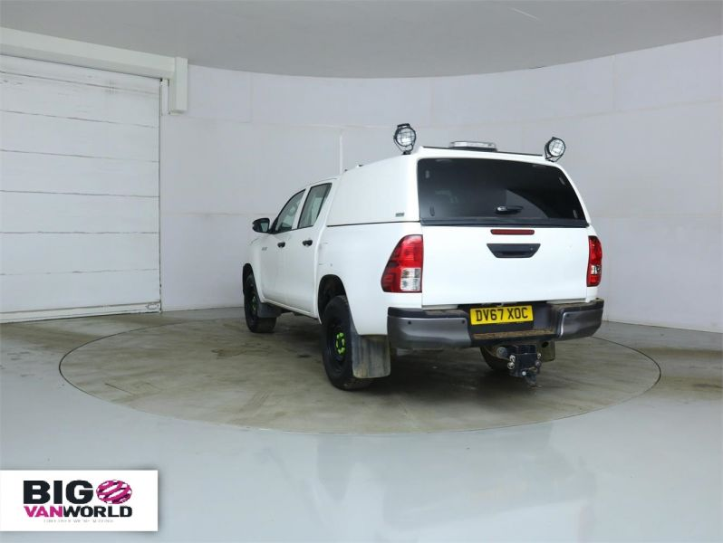 TOYOTA HI-LUX ACTIVE 4WD D-4D 148 DOUBLE CAB WITH TRUCKMAN TOP - 8350 - 4
