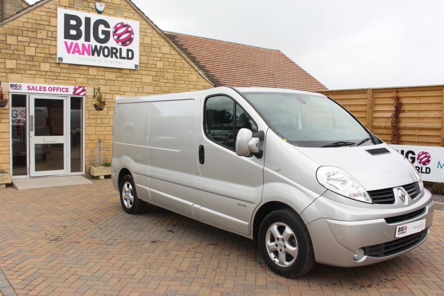 RENAULT TRAFIC LL29 DCI 115 SPORT SPECIAL EDITION LWB LOW ROOF - 6693 - 2
