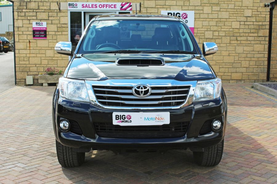 TOYOTA HI-LUX INVINCIBLE X 4X4 D-4D 171 DOUBLE CAB WITH ROLL'N'LOCK TOP - 9257 - 10