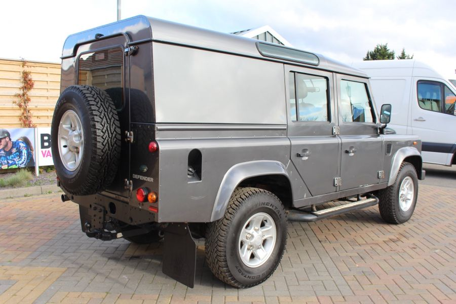 LAND ROVER DEFENDER 110 TD XS UTILITY WAGON 5 SEAT DOUBLE CAB - 8382 - 5