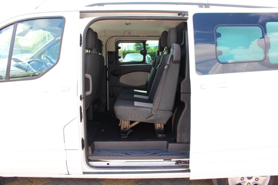 FORD TRANSIT CUSTOM 290 TDCI 125 L1 H1 LIMITED SWB DOUBLE CAB 6 SEAT CREW VAN FWD - 9206 - 22