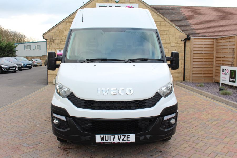 IVECO DAILY 35S13 HI-MATIC MWB HIGH ROOF - 8679 - 9